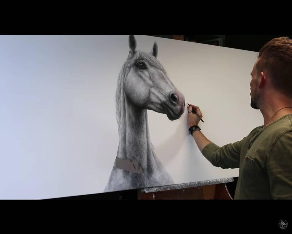 Artysta tworzy obrazy, które wyglądają jak fotografie. Zobacz niezwykły efekt! [WIDEO]