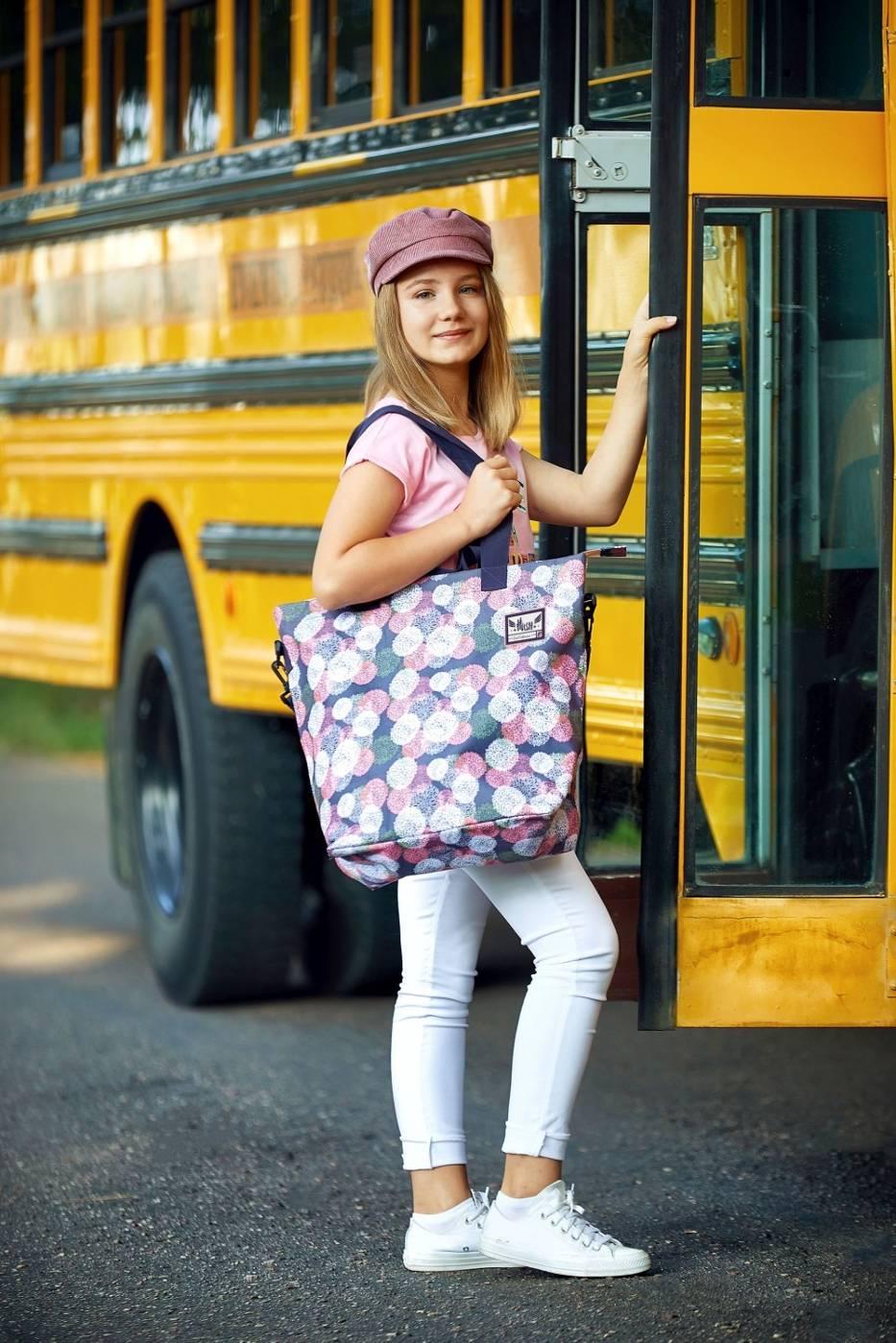 Na wakacje i do szkoły, czyli na co zwrócić uwagę kupując plecak?