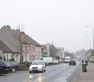 Ulica Poznańska w Kościanie ma za mało przejść dla pieszych [FOTO]