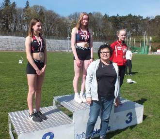 Puck: nasi lekkoatleci w Słupsku bili rekordy i wrócili z 11. medalami