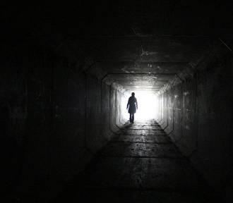 Warszawskie legendy. Duchy w tunelach metra, Czarny Roman i fryzjer porywacz