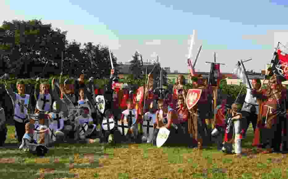 Mali uczestnicy inscenizacji bitwy pod Grunwaldem