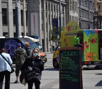 Rozpoczyna się zlot food trucków na rynku w Katowicach