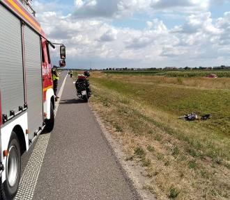 Wypadł motocyklem z drogi na obwodnicy Nowych Skalmierzyc