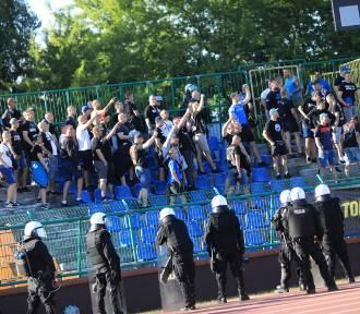 Ponad 60 kibiców z Włocławka i Konina zatrzymanych przed meczem 3. ligi Elana - Górnik