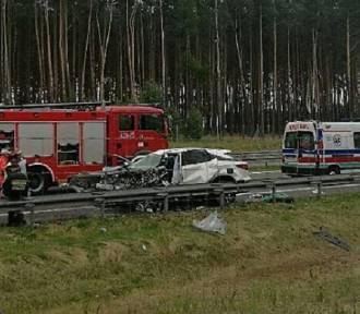 Śmiertelny wypadek na S3. Kierowca jechał pod  prąd. Doszło do zderzenia [ZDJĘCIA, FILM]