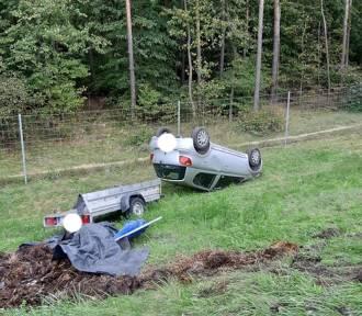 Wypadek w Stryszku. Samochód dachował [zdjęcia]