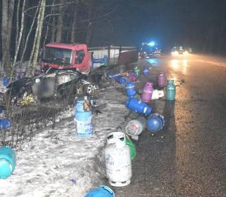 Gmina Zblewo. Policjanci wyjaśnianą okoliczności śmiertelnego wypadku. Zginął kierowca jaguara