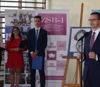 Premier Mateusz Morawiecki w Żorach. Rozpoczął rok szkolny w ZSBI z uczniami [ZDJĘCIA]
