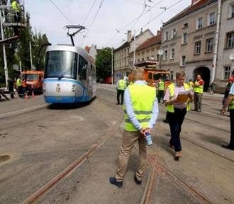Odbiory na ul. Hubskiej. Niebawem wrócą tam tramwaje. Pasażerów czekają zmiany...