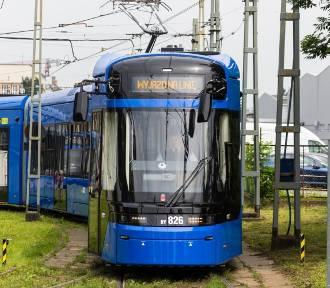 """Tramwajowe fatum Krakowa. Opóźnia się dostawa nowych pojazdów. Powód? """"Siła wyższa"""""""