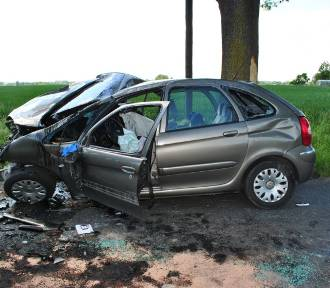 Wypadek pod Mogilnem. 75-latek zmarł w szpitalu [zdjęcia]