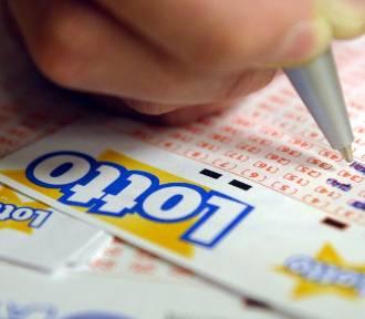 W Zduńskiej Woli padła szóstka w Lotto. To czwarty milioner w Zduńskiej Woli