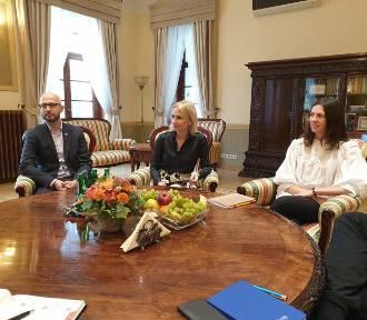 Prezes IKEA w Polsce odwiedziła Szczecin. O czym rozmawiała z prezydentem Krzystkiem?