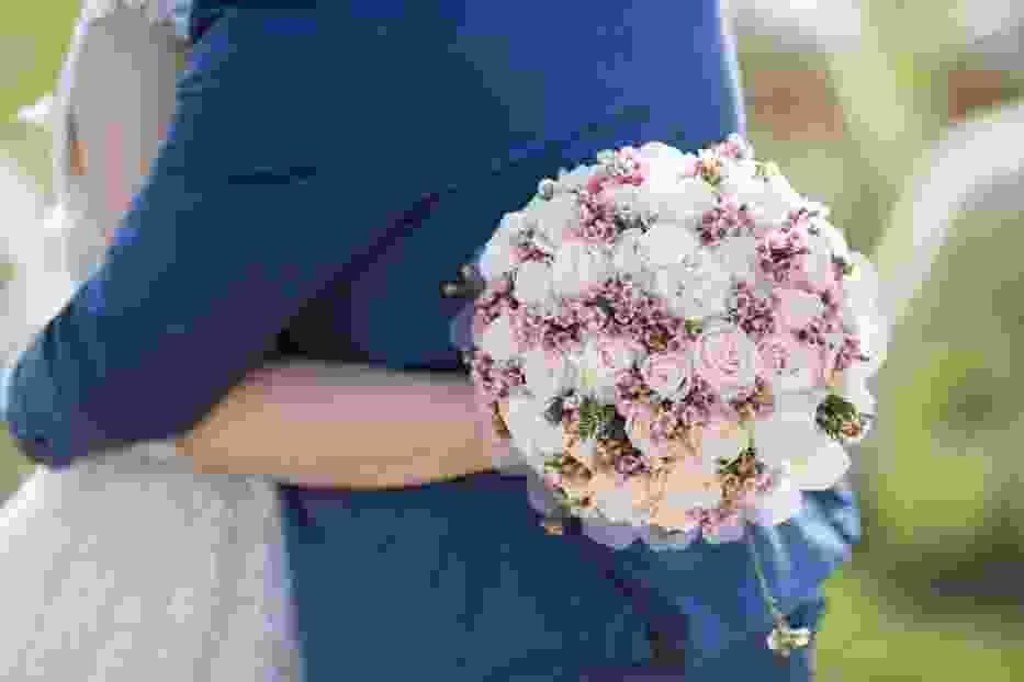 Ile kosztuje wesele, a ile ślub cywilny i kościelny? Te kwoty cię zaskoczą!