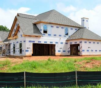 GUS: budowa domu trwa cztery lata, mieszkań o połowę krócej