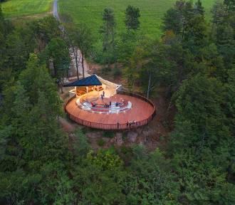 Wkrótce otwarcie nowej atrakcji w Górach Stołowych. Byliśmy tam z dronem i aparatem. Zobaczcie!