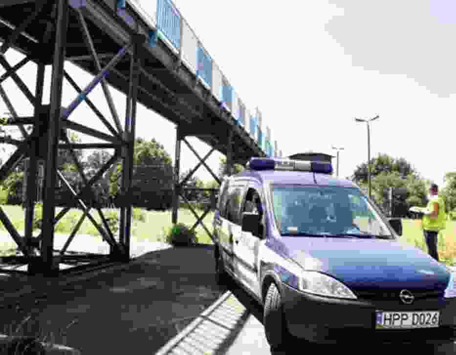 Po wypadku kładka w Strzemieszycach została zamknięta przez policję