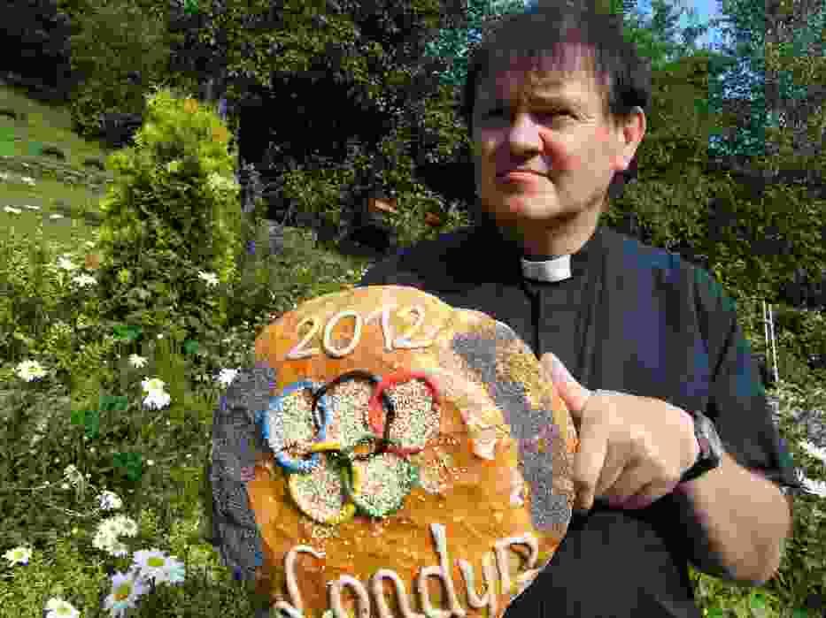 Igrzyska Olimpijskie Londyn 2012 rozpoczęto w Szczyrku Salmopolu chlebem i modlitwą