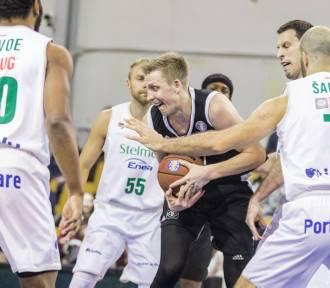 Fatalny występ koszykarzy Stelmetu Enei BC w stolicy Łotwy. Wstydliwa klęska z VEF Ryga