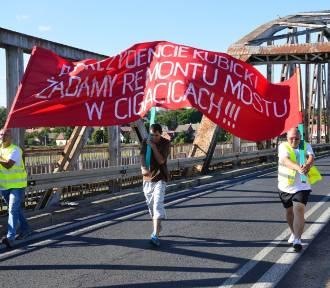 Mieszkańcy Cigacic znów blokowali stary most!