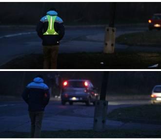 Policjanci apelują do pieszych o noszenie odblasków