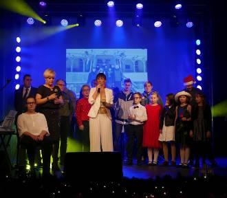 """III Mikołajkowy Koncert Charytatywny """"Betlejemskie Światło Pokoju"""" w Żninie [zdjęcia, wideo]"""