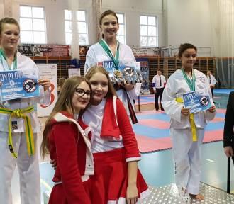 Zawodnicy SKT Niedźwiedź na Mikołajkowych Mistrzostwach[FOTO]