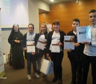 Uczniowie Szkoły Podstawowej nr 3 w Wolsztynie nagrodzeni za pomoc innym