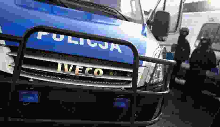 Radiowóz uderzył w słup na Dolnej Wildzie