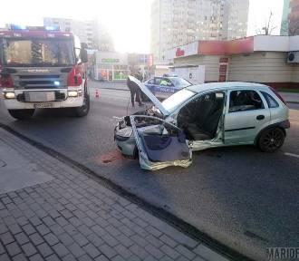 Opel uderzył w volvo. Sprawca ukarany 500-złotowym mandatem