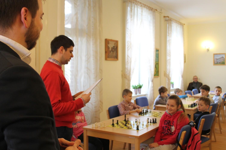 Turniej rozegrano w  Gminnym Ośrodku Kultury w Unisławiu
