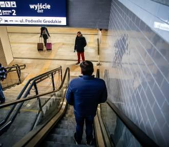 Działają windy i schody ruchome prowadzące na wyremontowane perony