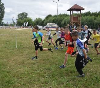 """Rywalizacja najmłodszych podczas zawodów """"Triathlon Soplicowo"""" [FOTO]"""