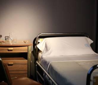 Łóżko, na którym Jan Paweł Ii walczył o życie po zamachu na wystawie w muzeum