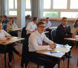 Maturzyści z Marszewa rozpoczęli egzamin z matematyki