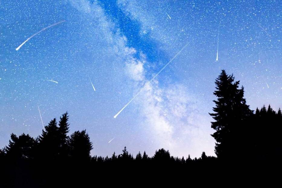 Noc spadających gwiazd. Zobacz Perseidy nad Jeziorem Maltańskim