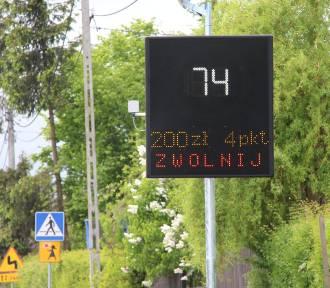 """Przy drogach powiatowych stanie więcej znaków """"dynamicznej prędkości"""""""