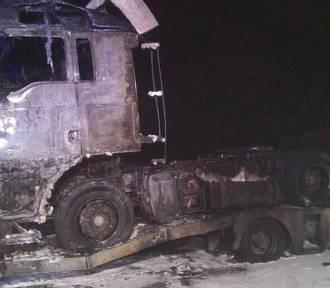 Oleśnica: Paliła się ciężarówka na lawecie (ZDJĘCIA)