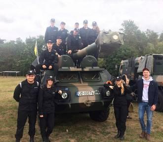 Klasy bezpieczeństwa publicznego zbąszyńskiego liceum, na dniach otwartych koszar w Wędrzynie