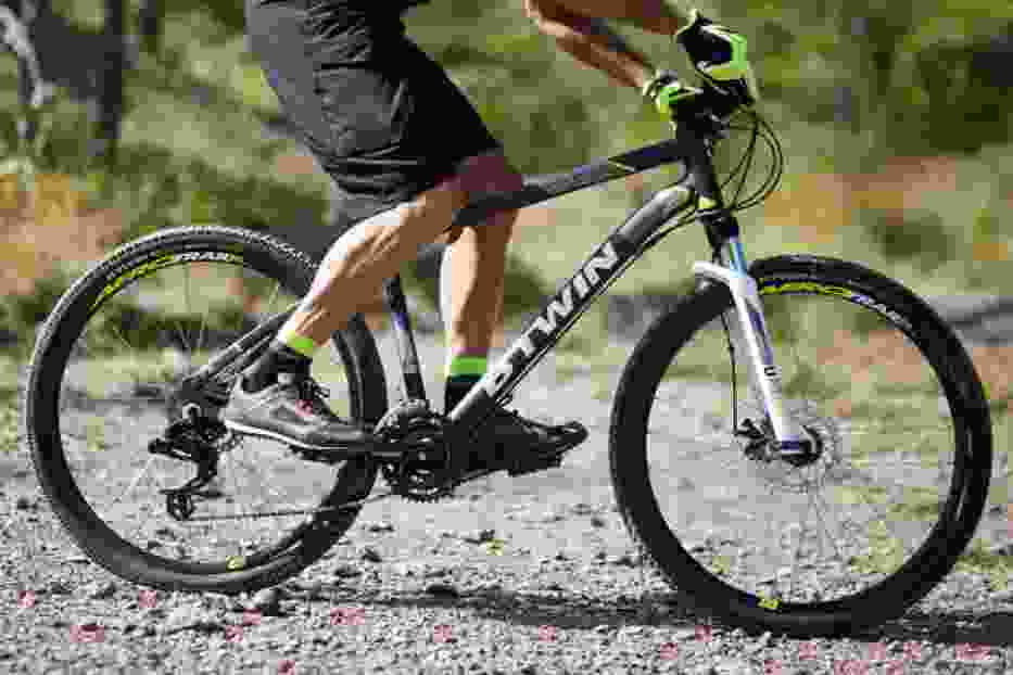 W galerii prezentujemy zdjęcia rowerów B`TWIN Rockrider 520 i Rockrider 540