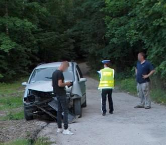 Płaczewo. Nie dostosował prędkości i uderzył czołowo w nadjeżdżające auto. Ranny mężczyzna trafił