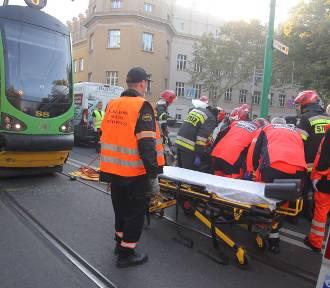 Grunwaldzka: Samochód zderzył się z tramwajem [ZDJĘCIA]