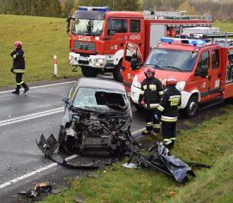 Groźny wypadek na krajowej 20 w Wołczy Małej. Ranne cztery osoby
