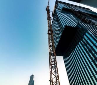 Wiecha na szczycie .KTW II. Konstrukcja wieżowca jest gotowa. Ma 133 metry