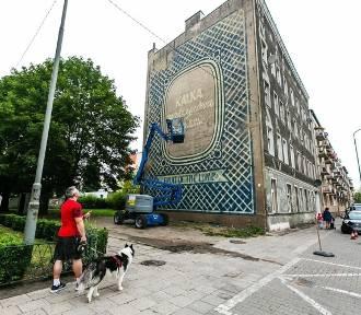Kolejny mural powstaje na Pomorzanach. Podoba się Wam? [ZDJĘCIA]