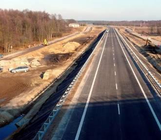 Woj. lubelskie dostanie 400 mln zł na remonty i budowę dróg. Rząd podzielił pieniądze