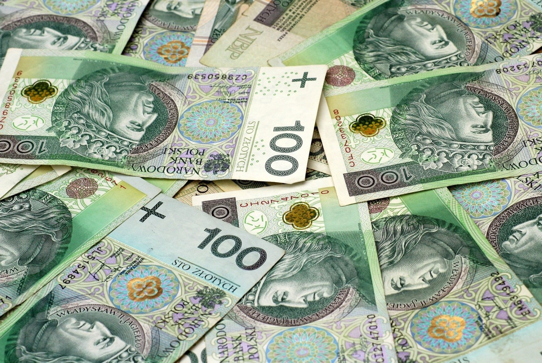 Wiemy już, kto w Polsce zarabia najwięcej! Oto wyniki Ogólnopolskiego Badania Wynagrodzeń 2020