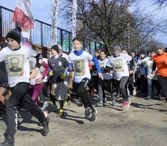 Bieg Tropem Wilczym 2020 w Głogowie. Ponad 120 zawodników na starcie. ZOBACZ ZDJĘCIA