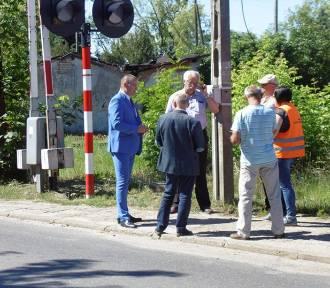 KOBYLIN: Specjalna komisja obejrzała przejazd kolejowy w Kobylinie przed jego remontem [ZDJĘCIA]